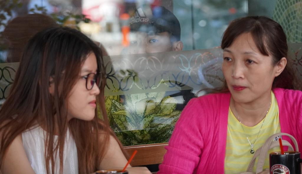 Phụ huynh và sinh viên tham gia chương trình trả góp học tập EduFin.